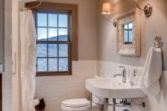 31595 Shoshone-print-001-1- Bathroom-2801x4200-300dpi