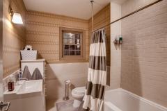 31595 Shoshone-print-003-4- Bathroom 3-4200x2800-300dpi